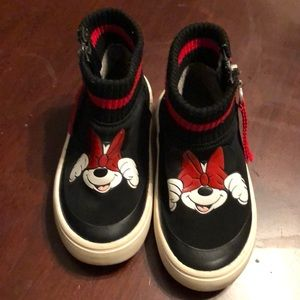 Trendy Minnie Mouse sock sneakers!